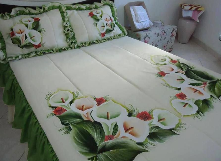 Hand Painted Beautiful In 2020 Bed Sheet Painting Design Painted Beds Bed Cover Design