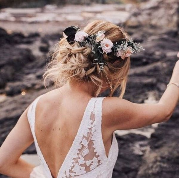 Fall Wedding Hairstyles With Flower Crown: 45 Most Romantic Wedding Hairstyles For Long Hair