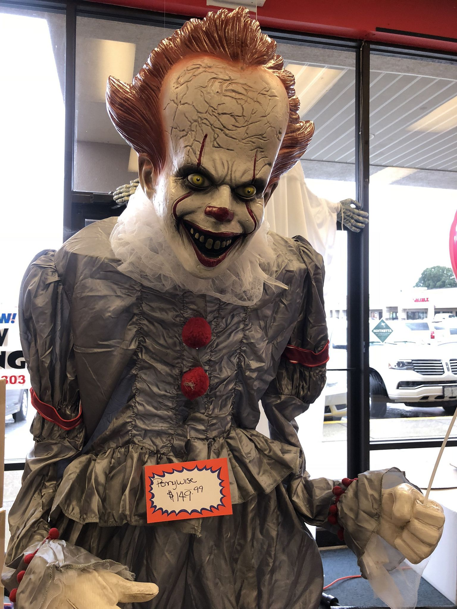 6 FT ANIMATED PENNYWISE THE EVIL CLOWN 'IT' Halloween