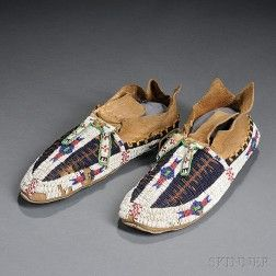 Arapaho Beaded Hide Man's Moccasins, late 19th cent.
