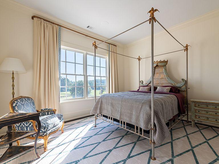 1040 W Conway Dr Nw Atlanta Ga 30327 Mls 6632831 Zillow Bedroom Panel Formal Living Rooms Tuscan House Bedroom suites in atlanta ga