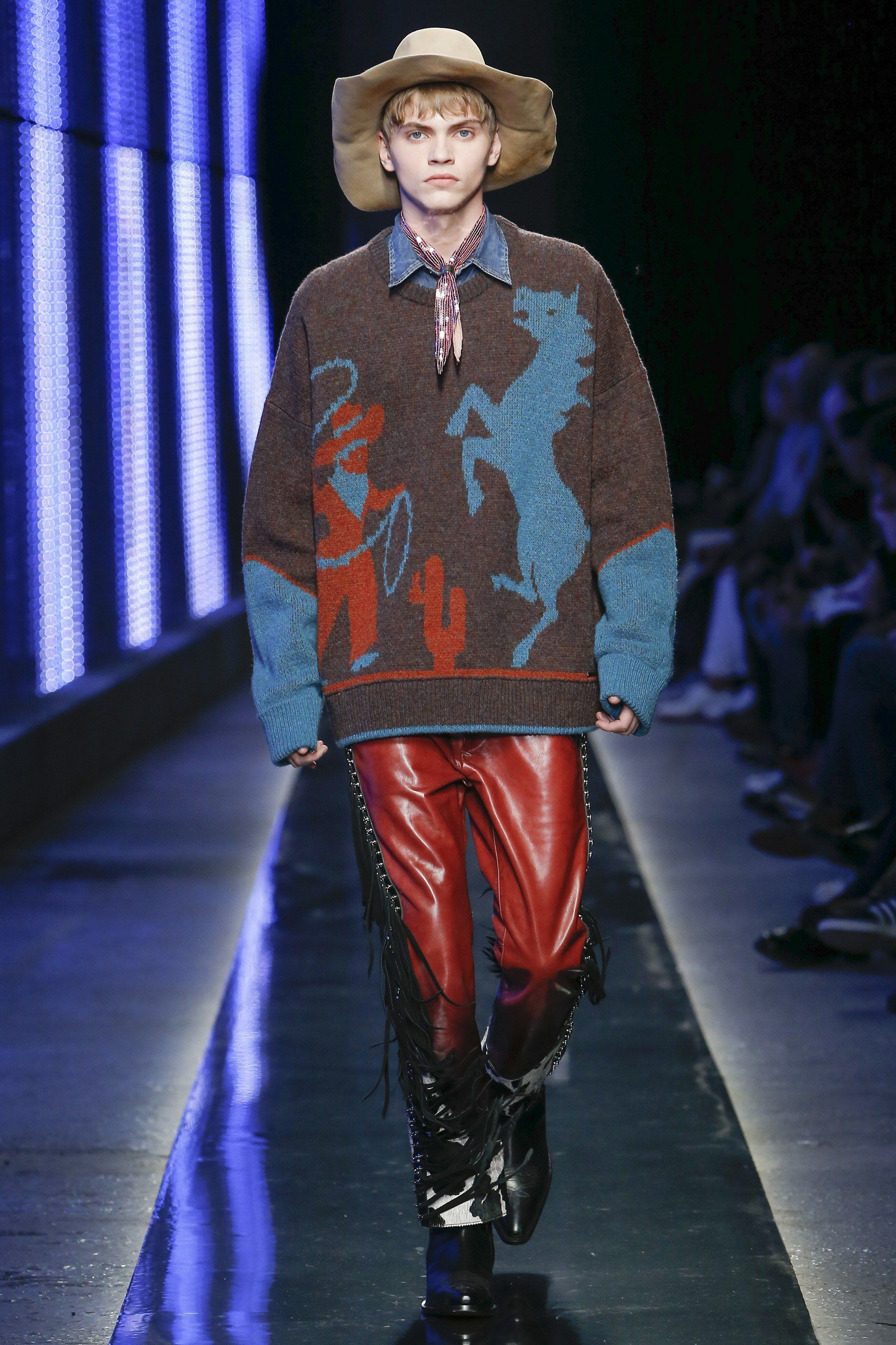 The complete Dsquared2 Fall 2018 Menswear fashion show now on Vogue Runway.   HighFashionTrends b9d3191191e9