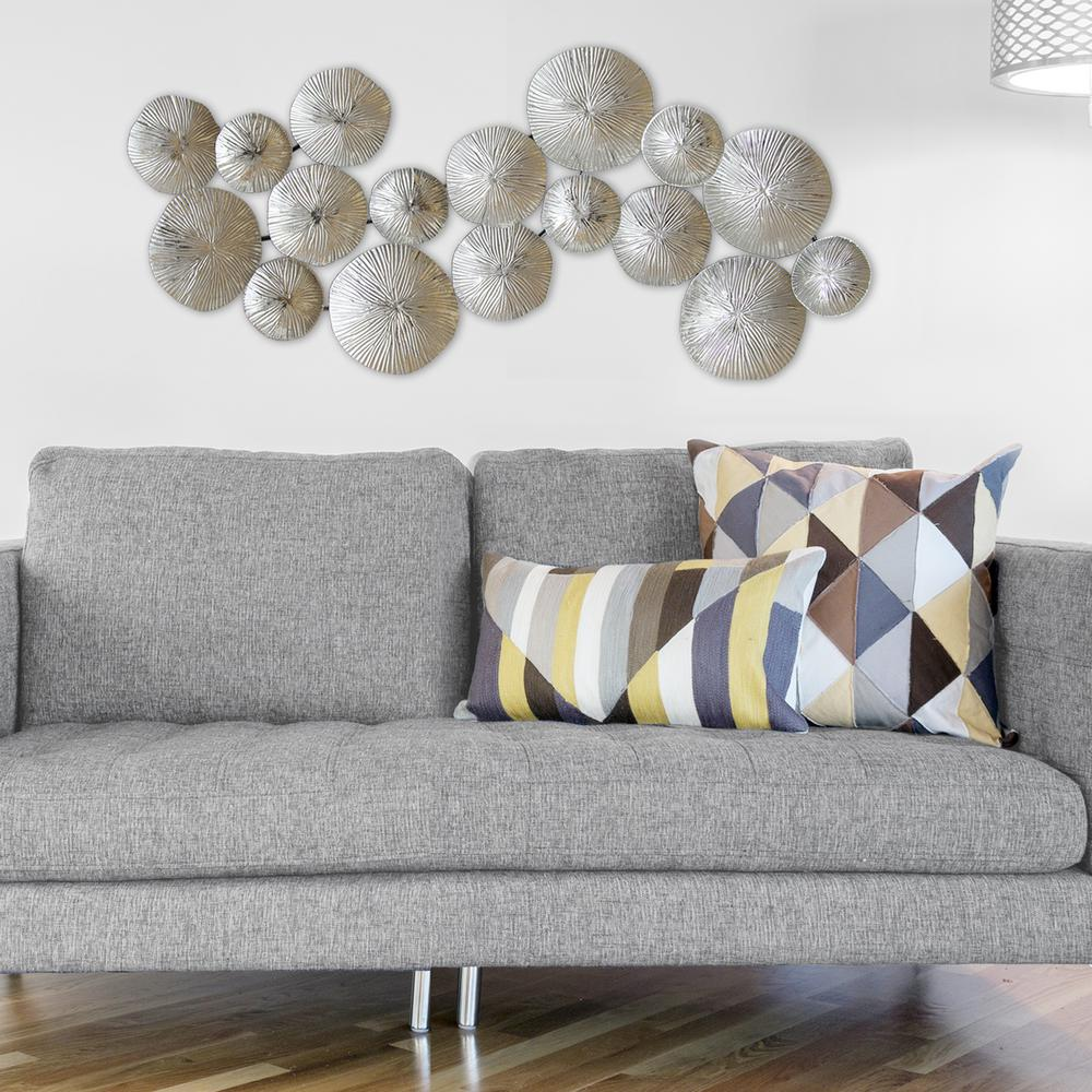 Stratton Home Decor Silver Circles Metal Wall Decor S03905
