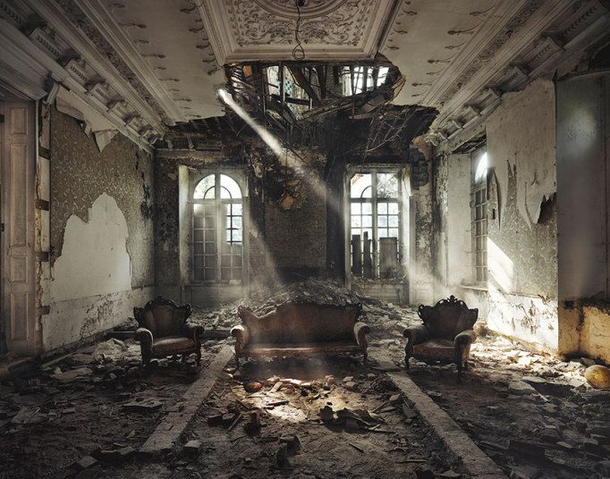 Orphans Of Time Photographer Captures The Beauty Of Abandoned - Photographer captures abandoned worlds time forgot