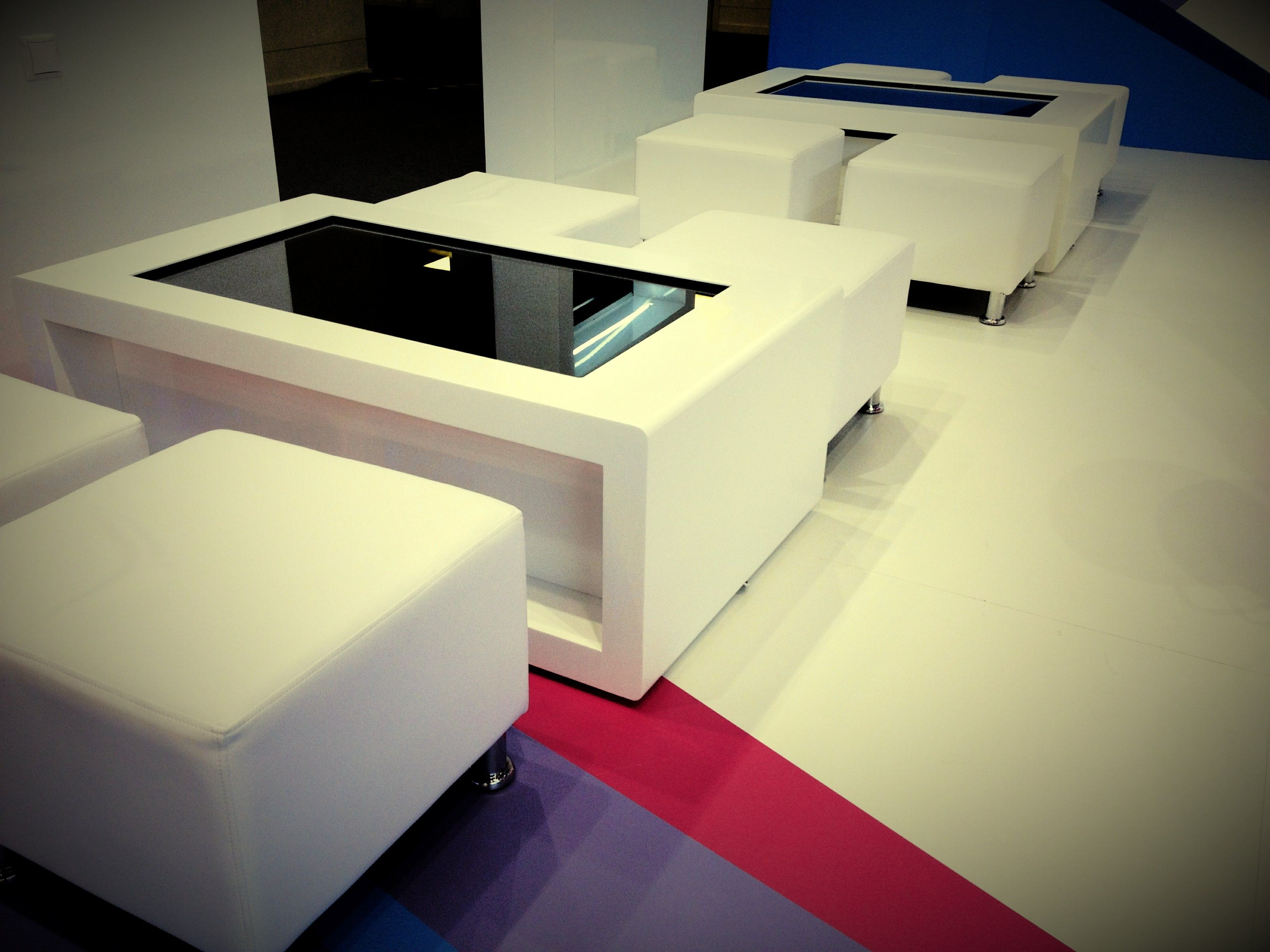 Luxury Multitouch Coffee Table For Ria News Made Of Corian Stone  # Muebles Neoideas