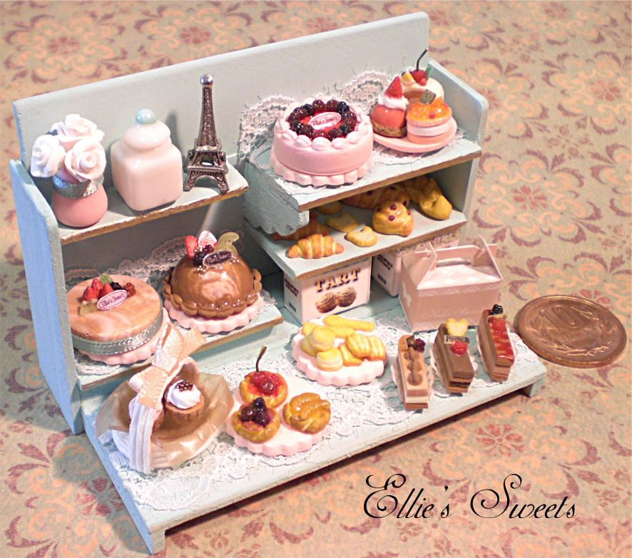 Miniature cake | by Cherie Fleuge