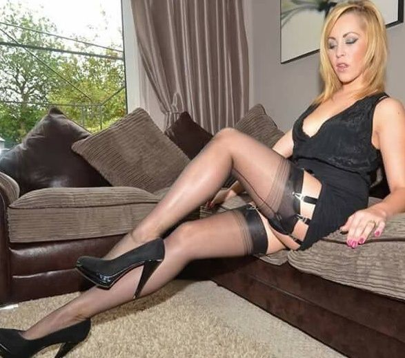 Horny milf gets off with nylon stocking