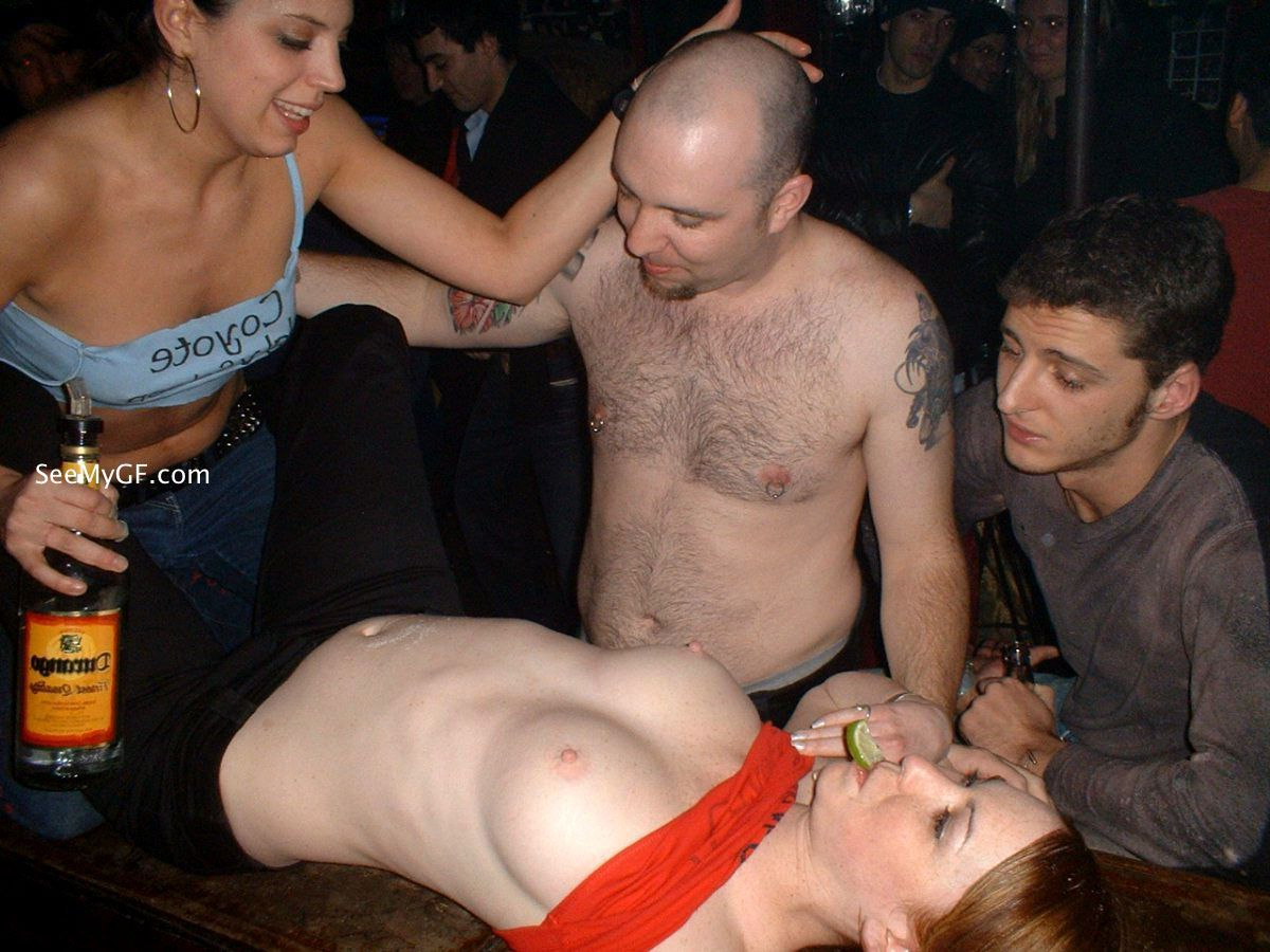 drunk-dudes-stripped-naked