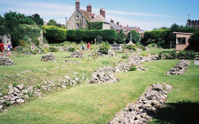 Shaftesbury_Abbey_ruins.jpeg (640×400)