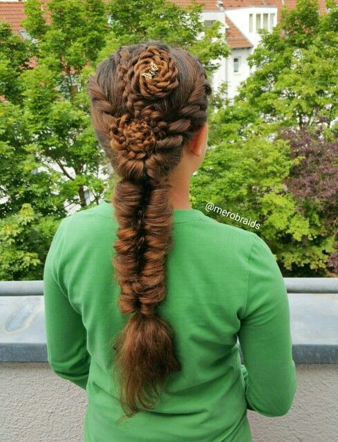 Flowers (rope twist and dutch braids) into an elastic braid