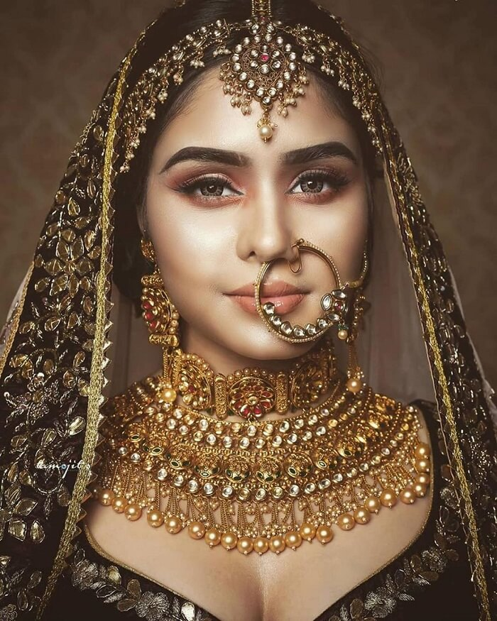 Stunning Nose Ring For Bride To Be To Crush On Book Your Makeup Artist With Bookevent Bridal Jewellery Indian Indian Bridal Jewelry Sets Bridal Jewelry Sets