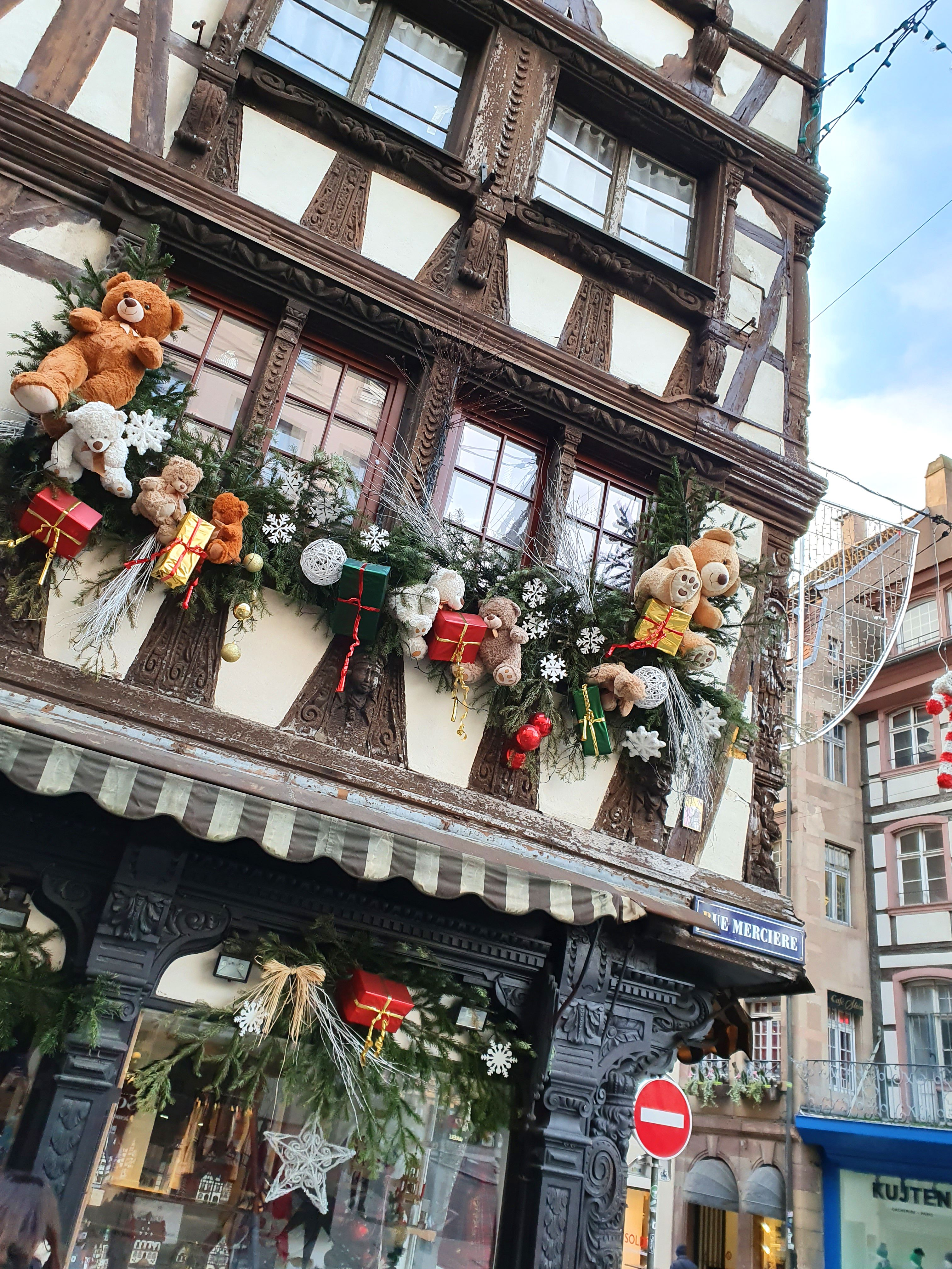Strasbourg En 2020 Illuminations De Noël Ambiance Noël Paysage Noel