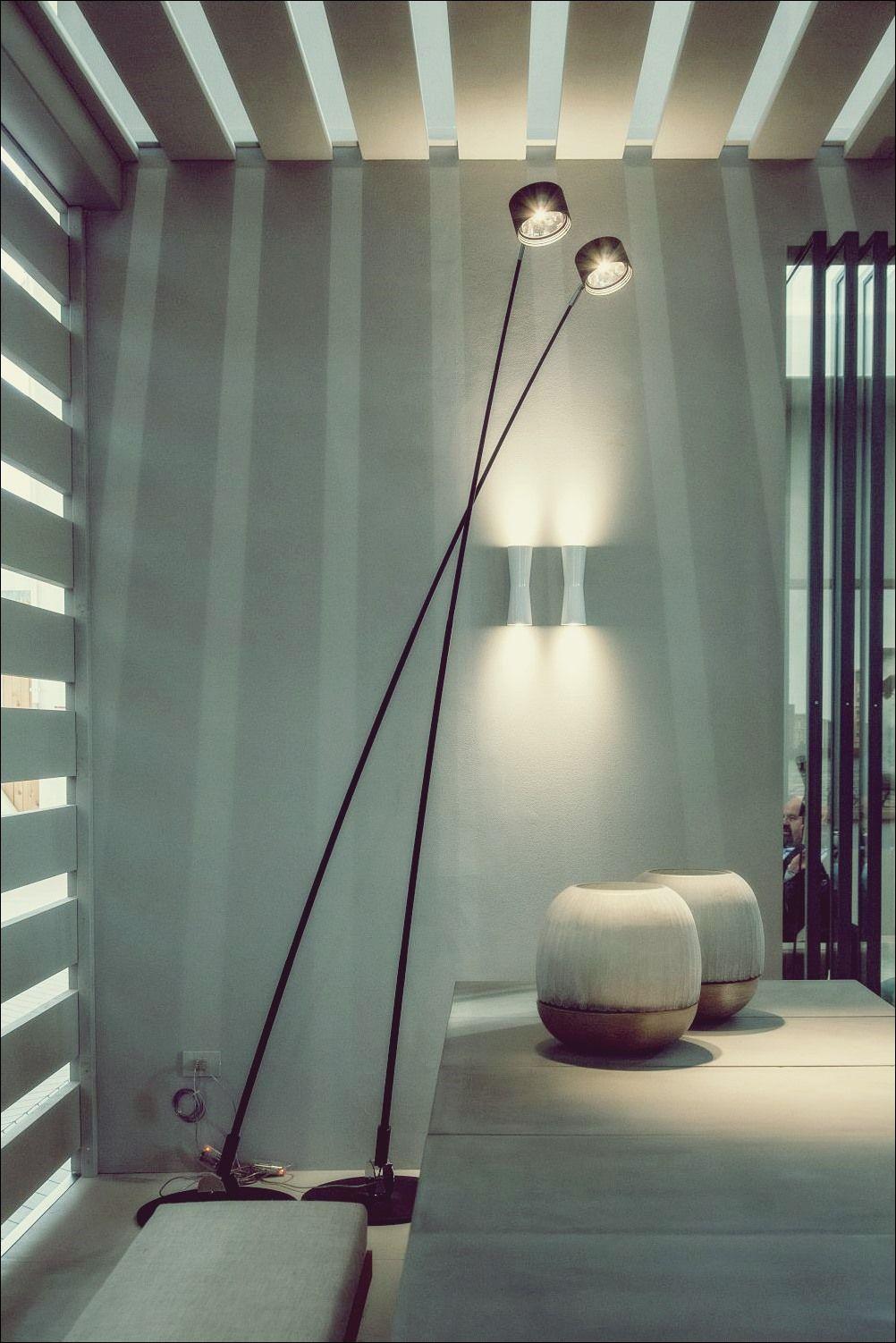 Moderne Stehlampen Die Kunstliche Beleuchtung In Eine Kunstform