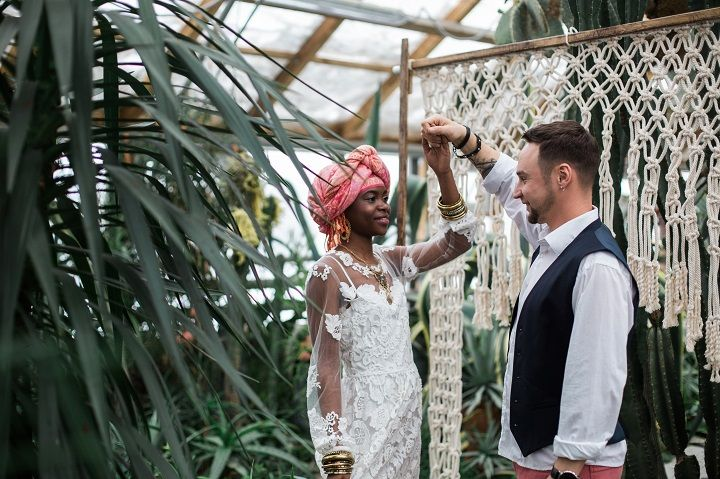 Bridal style - Cactus Wedding Inspiration Shoot in Botanical Garden | fabmood.com #wedding #weddingstyled #weddinginspiration #weddingideas