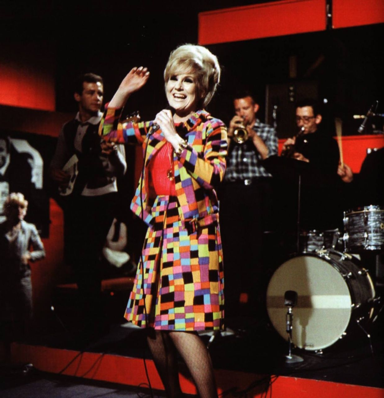 Sixties Dusty Springfield 60s Fashion A Child Of The 60s That Grew Up In The 70s Pinterest