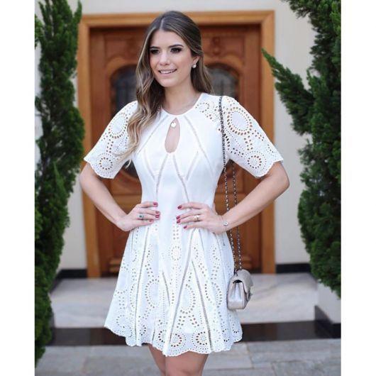 ea4b6a5afc2a vestido de lese branco casual   My Closet em 2019   Vestidos ...