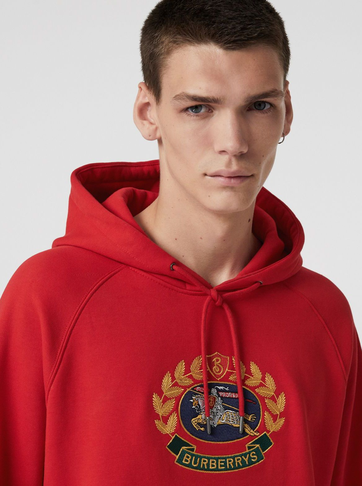 A Burberry Hoodie In Loop Back Jersey Embroidered With An Archive Crest Originally Found On Burberry Sweats Hoodies Mens Sweatshirts Hoodie Mens Sweatshirts [ 1569 x 1168 Pixel ]