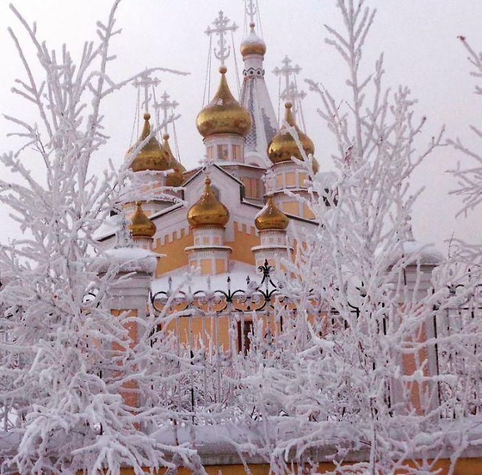 Новые фото из Оймякона, поселка, в котором от мороза -62°C ...