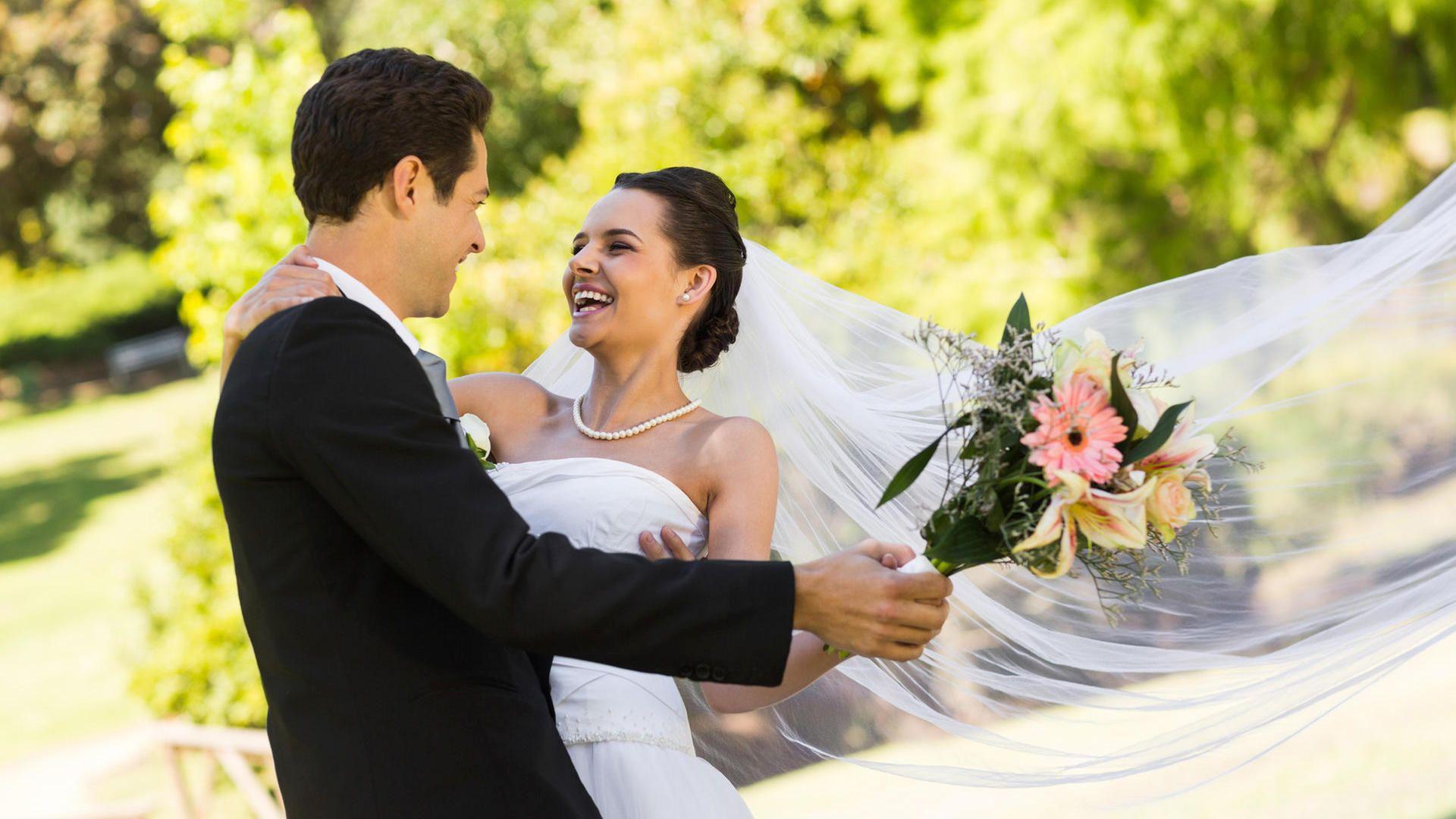 Wann Sie Ein Recht Auf Sonderurlaub Haben Hochzeit Brauche Hochzeit Hochzeit Mit Kleinem Budget