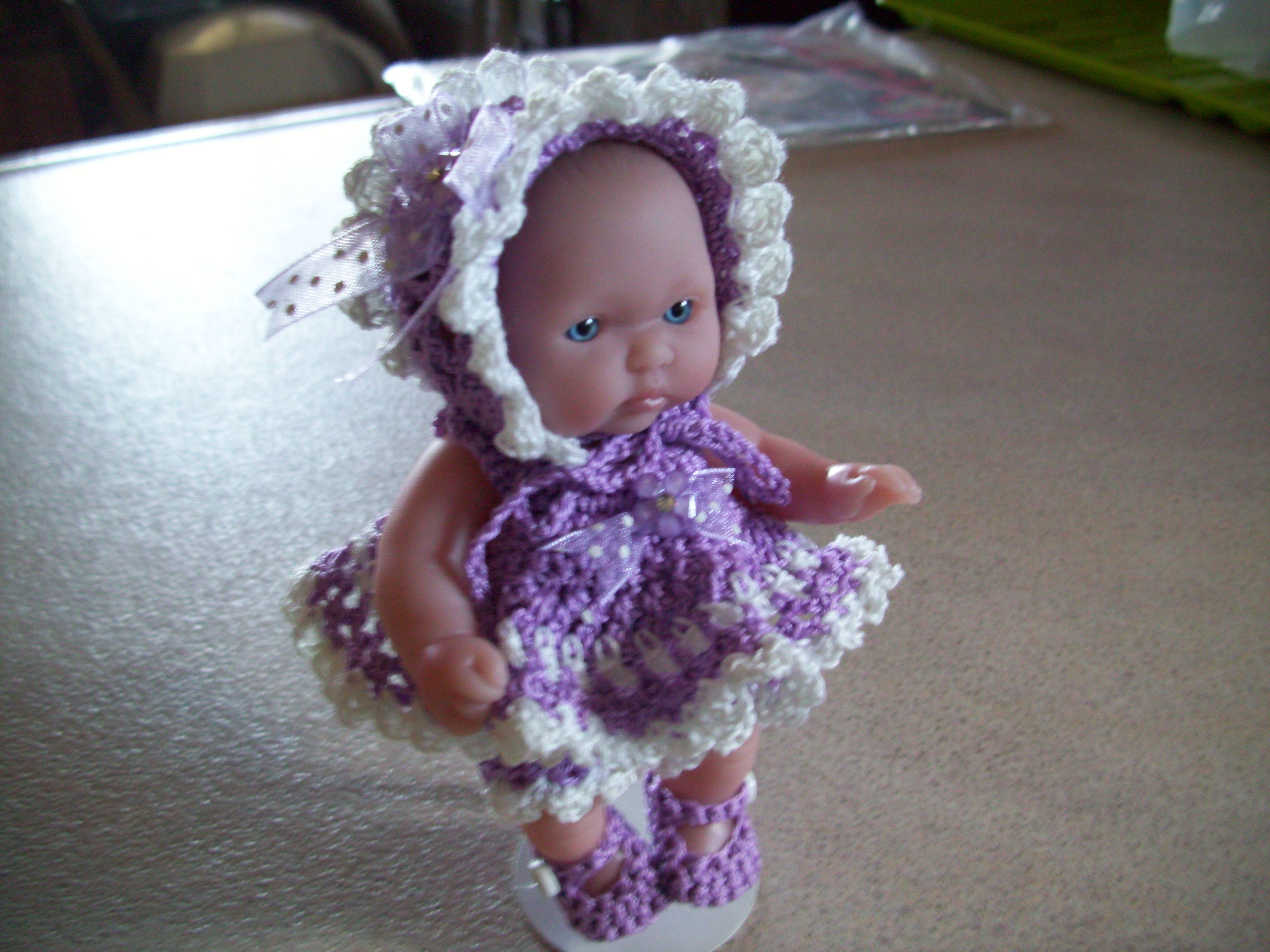 Lavender/White baby outfit with Bonnet.
