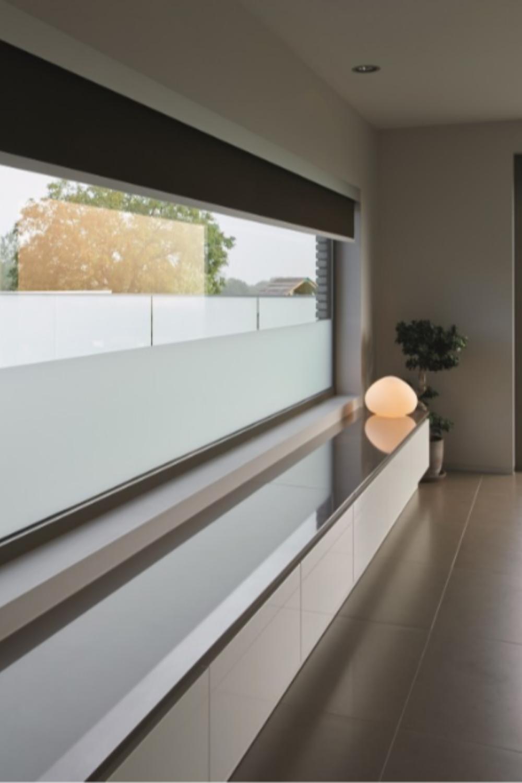 Met een XXL rolgordijn van tende heb je een uitgebreide keuze aan stoffen, kleuren en dessins.  #Fleurinck #tende #rolgordijn #rolgordijnen #textiel #stoffen #gordijn #raamdecoratie #raamdecoratieopmaat #gordijnenopmaat #rolgordijnenopmaat #gordijnstof #binnenkijken #interieur #interieurinspiratie #interieurstyling #interieurideeën #binnenhuisinspiratie #binnenhuisdecoratie #binnenhuisinrichting #binnenhuisadviseurs #interieurjunkie #interieuraddict #wonen #aalst #nieuwerkerken #wemmel