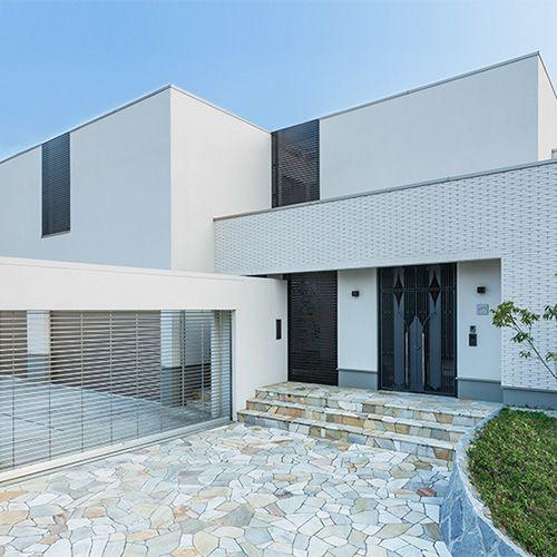 新築住宅の外観アイディア10選 箱型なナウトレンドデザイン: デザインコレクション BF GranSQUARE|一戸建て木造注文住宅の住友