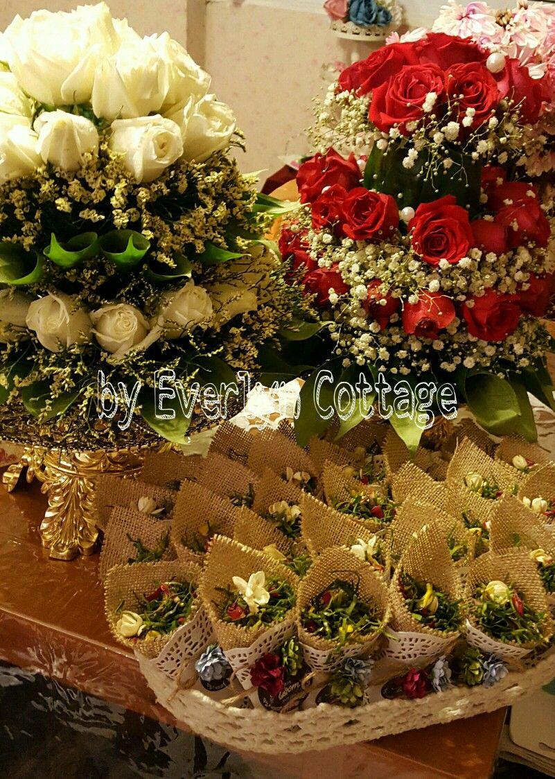 Sireh Dara Junjung Bunga Rampai By Everlyn Cottage Wedding Cards Wedding Bouquets Flower Artwork