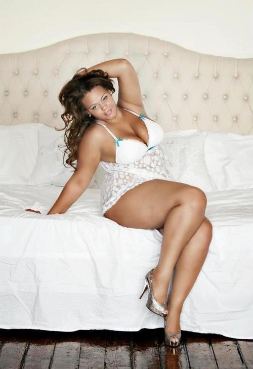 Lauren veluvolu sexy pinterest boudoir curves and boudoir photography - Beatufiol cock peicther ...