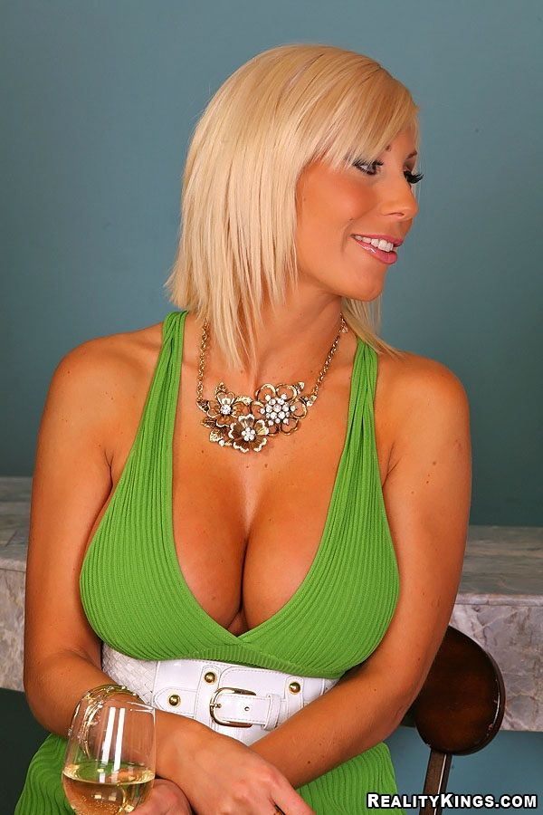 puma swede boobs