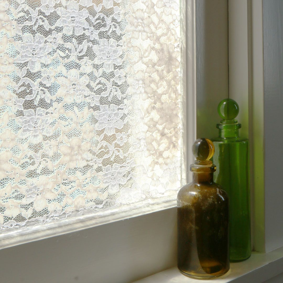 Window privacy ideas  this diy privacy screen keeps nosy neighbors away  life u kitchen