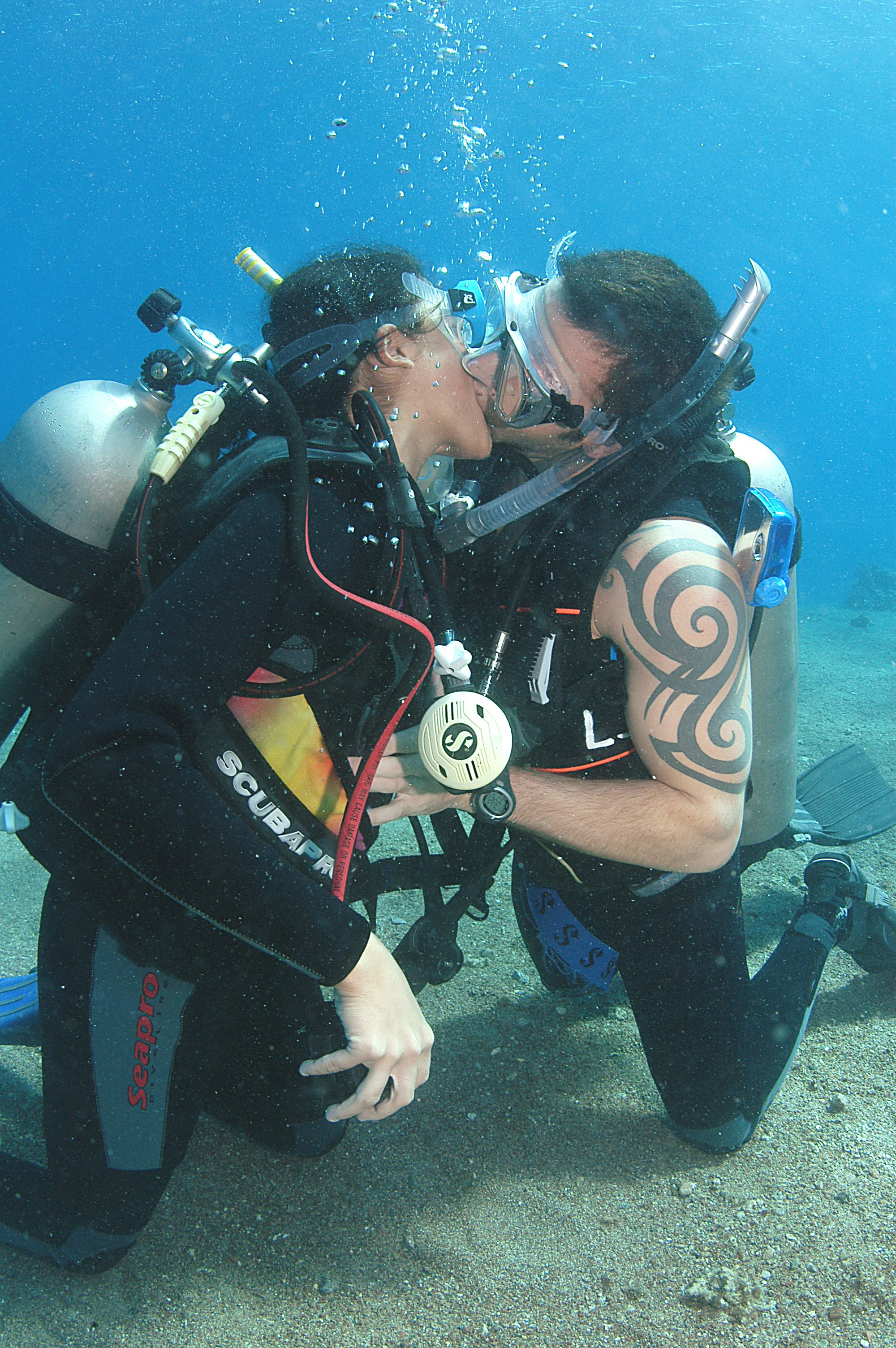 Getting married underwater contact red sea diving college red getting married underwater contact red sea diving college xflitez Images