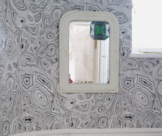 Emerald Gem In The Corner Of An Antique Mirror Set On Unbelievable Wallpaper