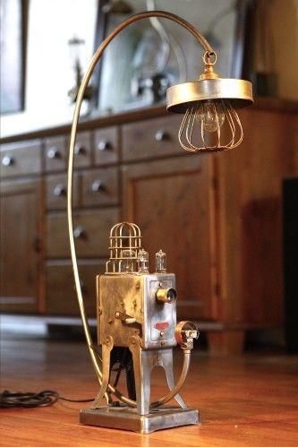 Création unique luminaire lampe art récup Steampunk