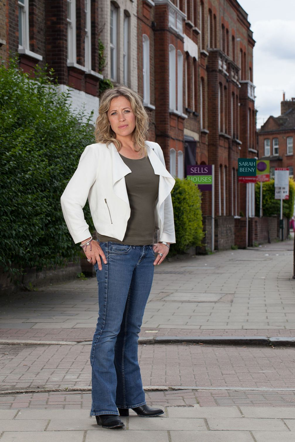 Sarah Beeny Selling Houses.jpg (1007×1509) Style