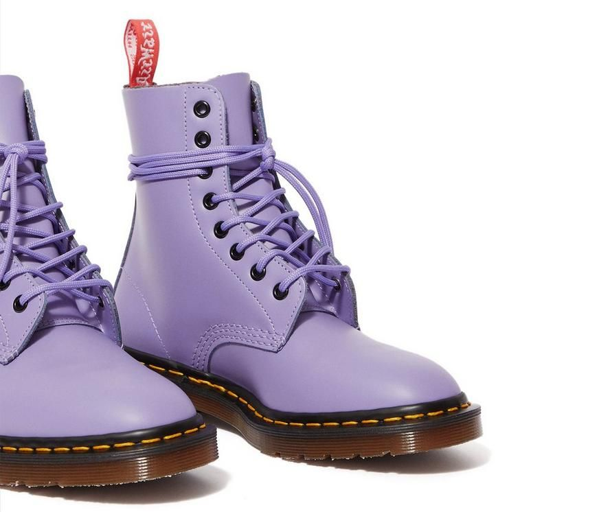 Pin by Michelle Esqueda on Doc martens in 2020   Boots, Dr