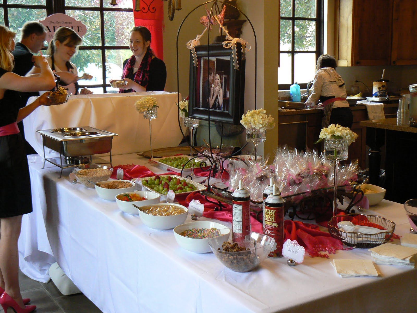 Wedding Food Ideas Get Creative I Do Knot: Why Not Be Diferent And Have A Ice Cream Sundae Bar At