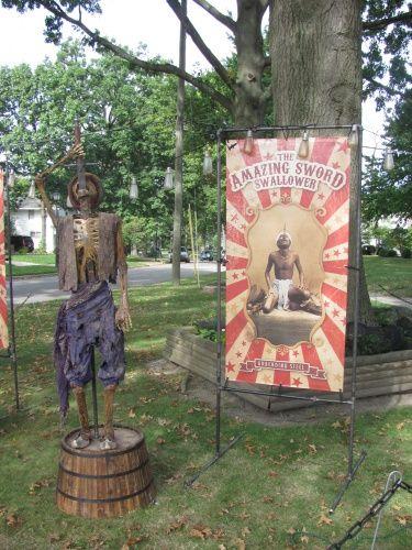 Halloween Forum | Halloween ideas | Pinterest | Yards, Halloween ...