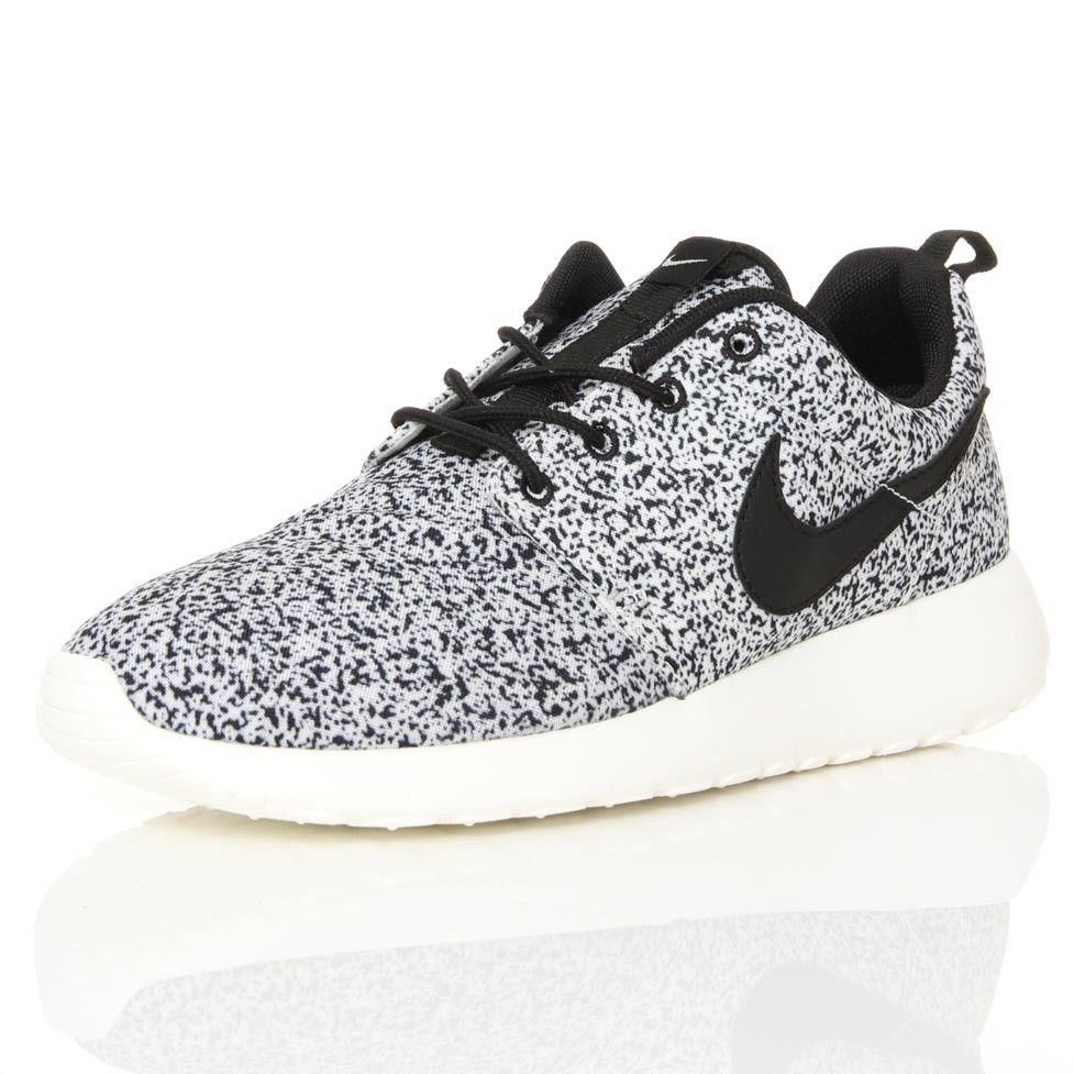 Nike Roshe Courir Voile Noir Moucheté Calculatrice En Ligne choix de jeu achat de dédouanement qpewv