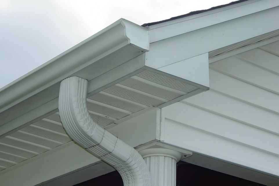 Good Gutters With Good Tips Put On Rain Gutters For Home Exterior Decoration Ideas Good Tips Put On Rain Gutters For Home Ex Gutters Cleaning Gutters Roofing