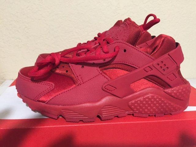 Nike Air Huarache Women Wmns Run Triple Red Gym Varsity 634835 601 Size 6  9df2d969b7