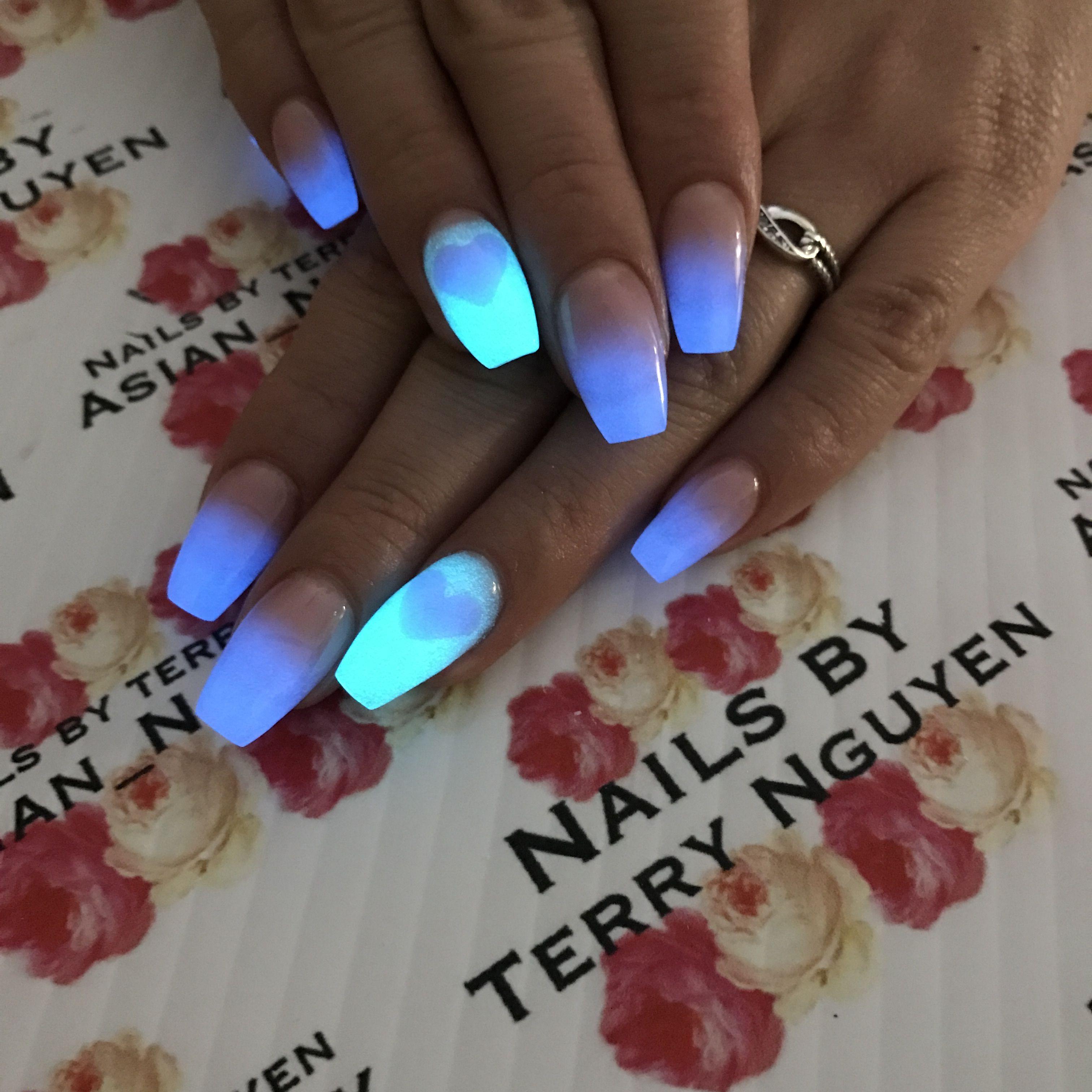 Glow-in-the-dark nails glow nails | Acrylic Rockstar Nails | Pinterest