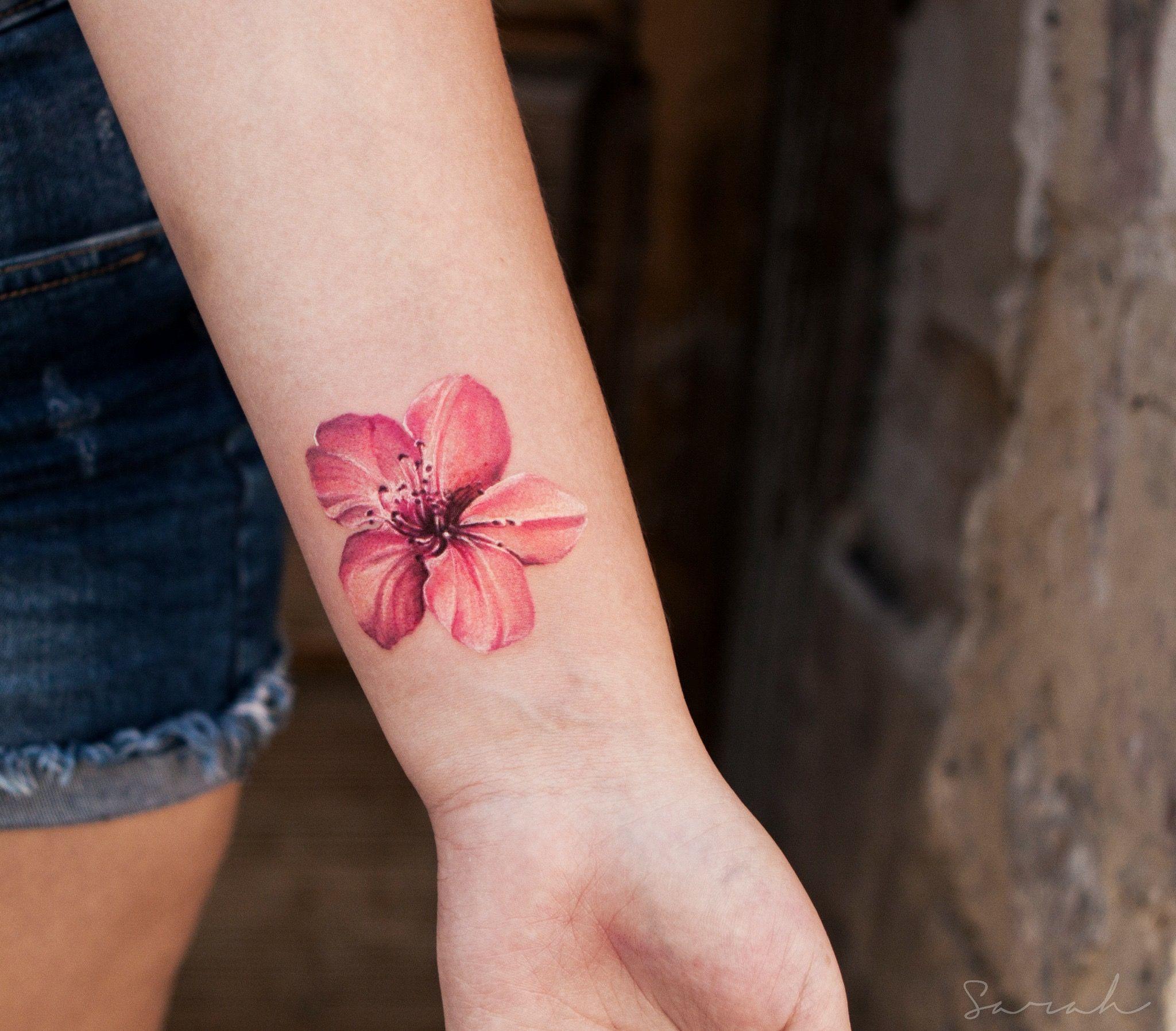 Pin By Jazmyn Danko On Hibiscus Tattoo In 2020 Hawaiian Flower Tattoos Hibiscus Tattoo Frangipani Tattoo