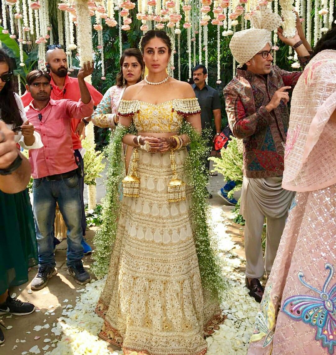 Kareena kapoor bridal look veere di wedding | Veere di ...