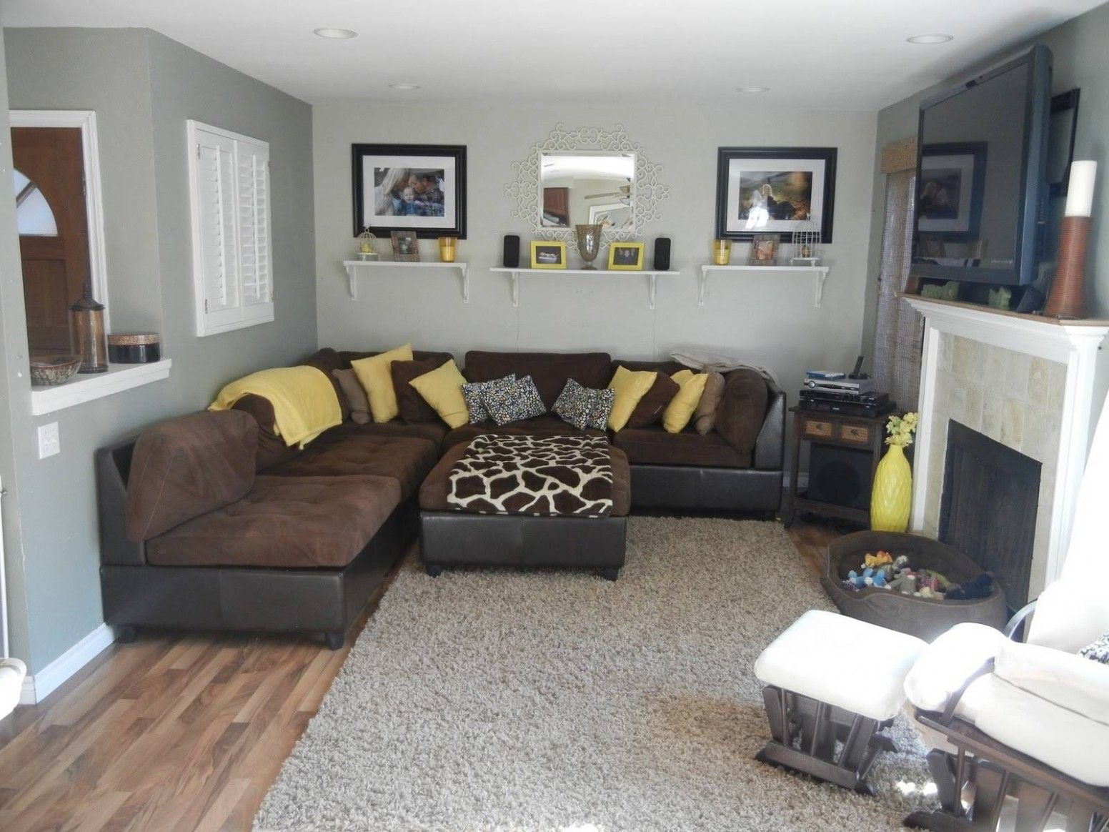 Best Grey And Mustard In 2020 With Images Brown Living Room 400 x 300
