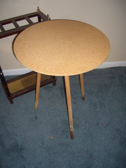 Comely Round Table With Screw In Legs Dining Table Ideas