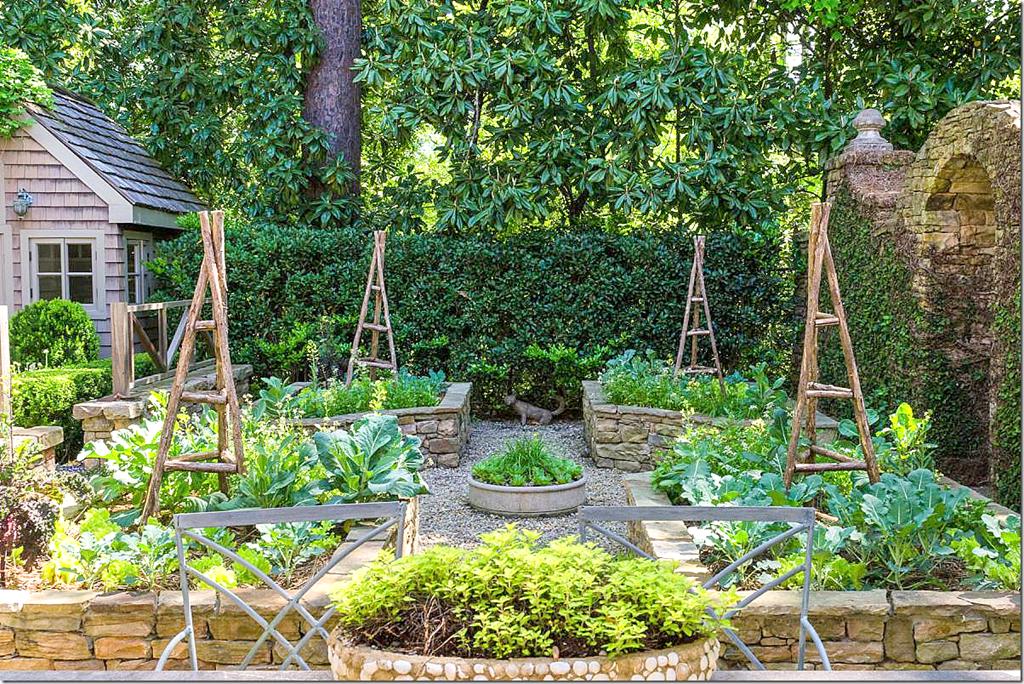 A Beautiful House In Atlanta Again Garden Layout Garden