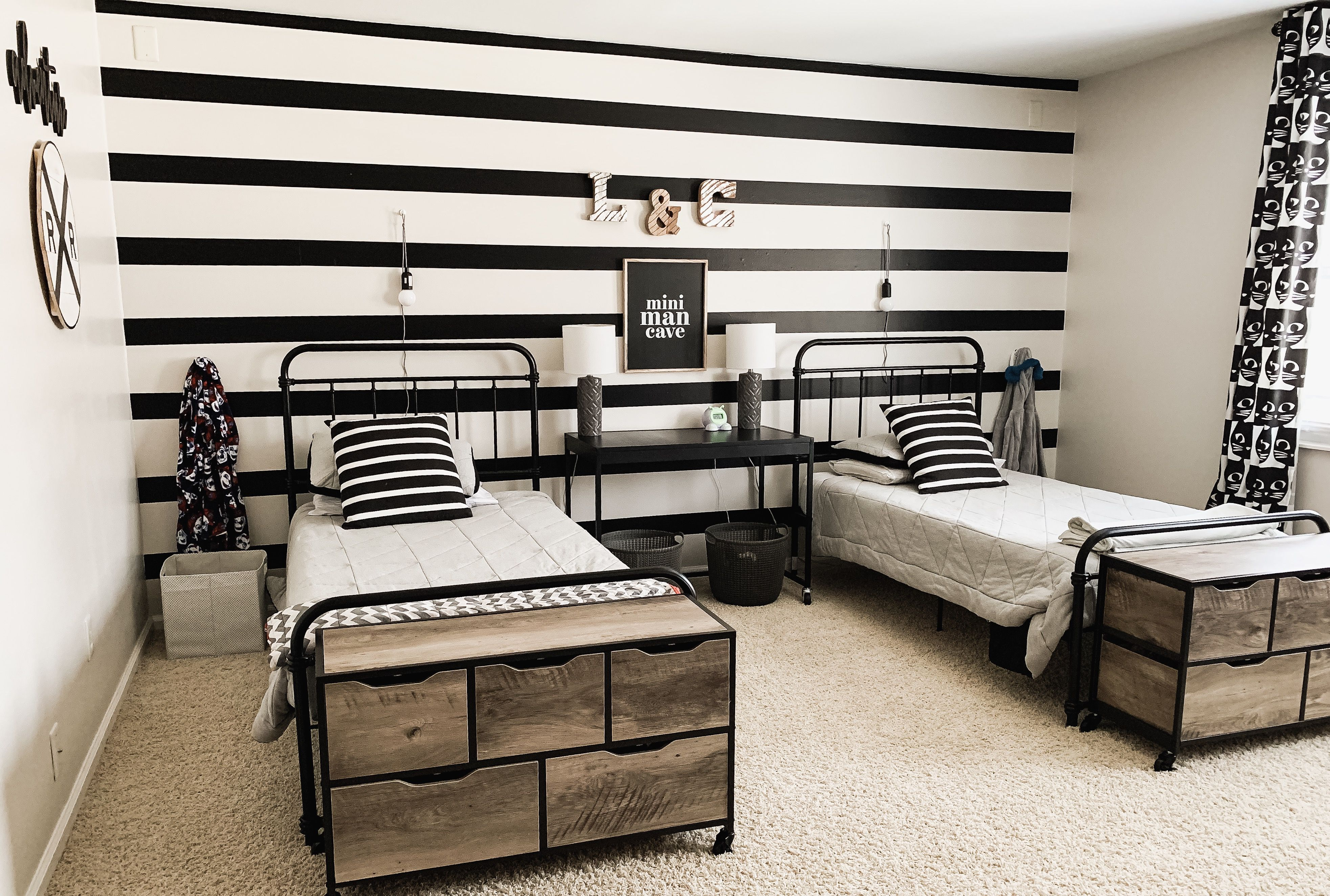 Farmhouse kids bedroom | Farmhouse bedroom decor, Home decor