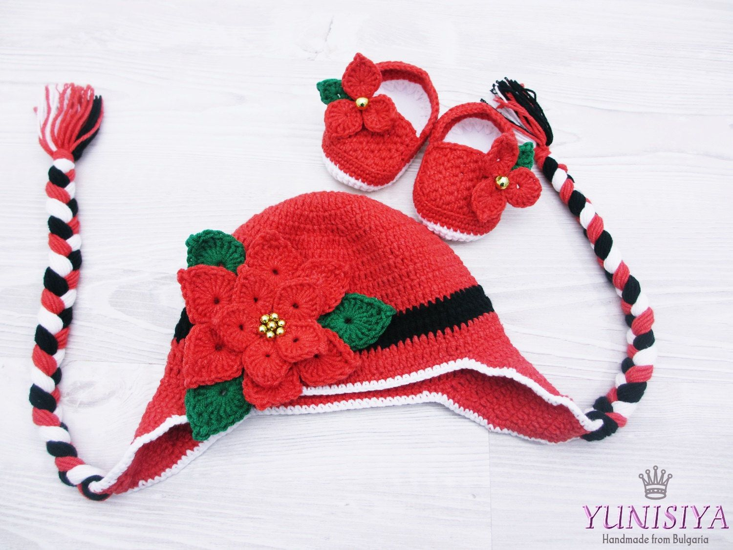 Crochet Santa Hat and booties Newborn Girl Christmas Outfit baby