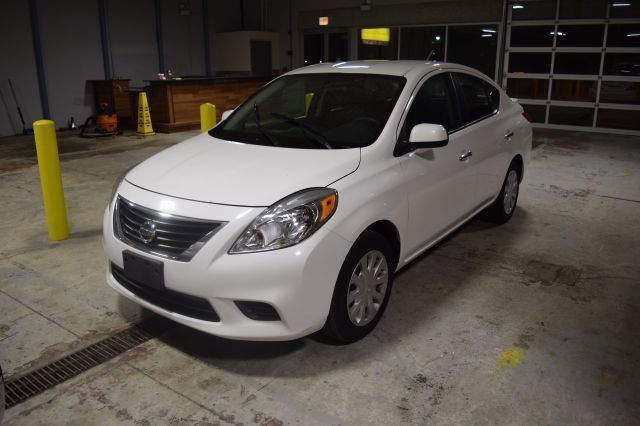 2013 Nissan Versa Www Imperionissangardengrove Com Nissan Versa Used Cars Cars For Sale