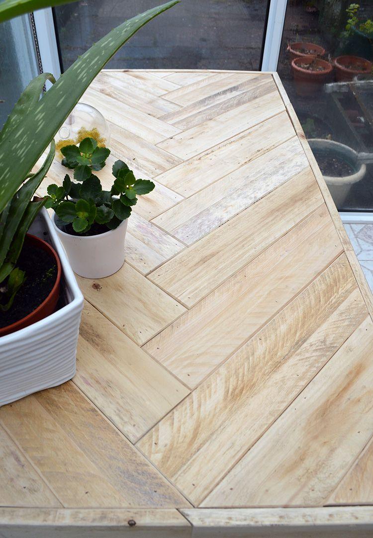 diy wooden table made with pallet wood diy paletten tisch tisch und m bel. Black Bedroom Furniture Sets. Home Design Ideas